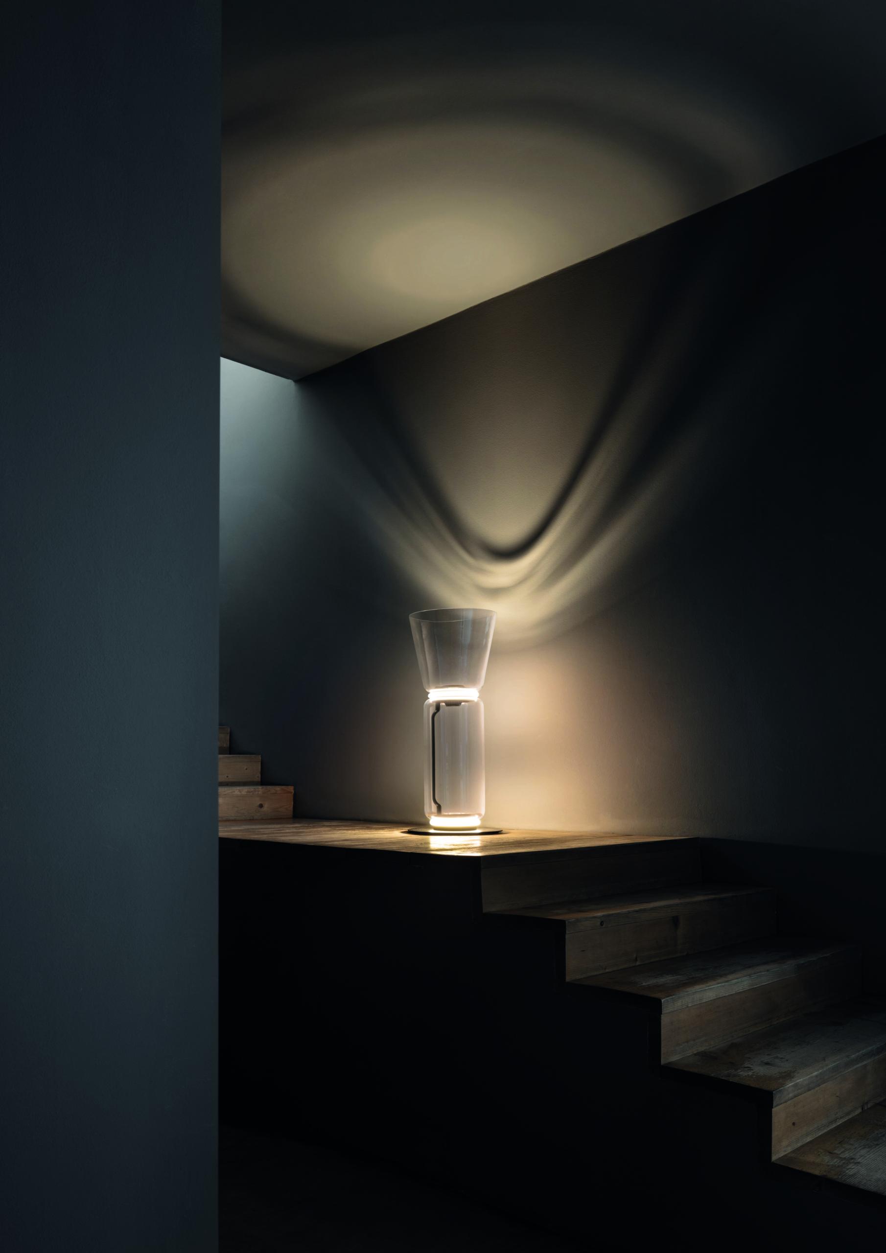 Tischleuchte NOCTAMBULE von Flos, Design: Konstantin Grcic