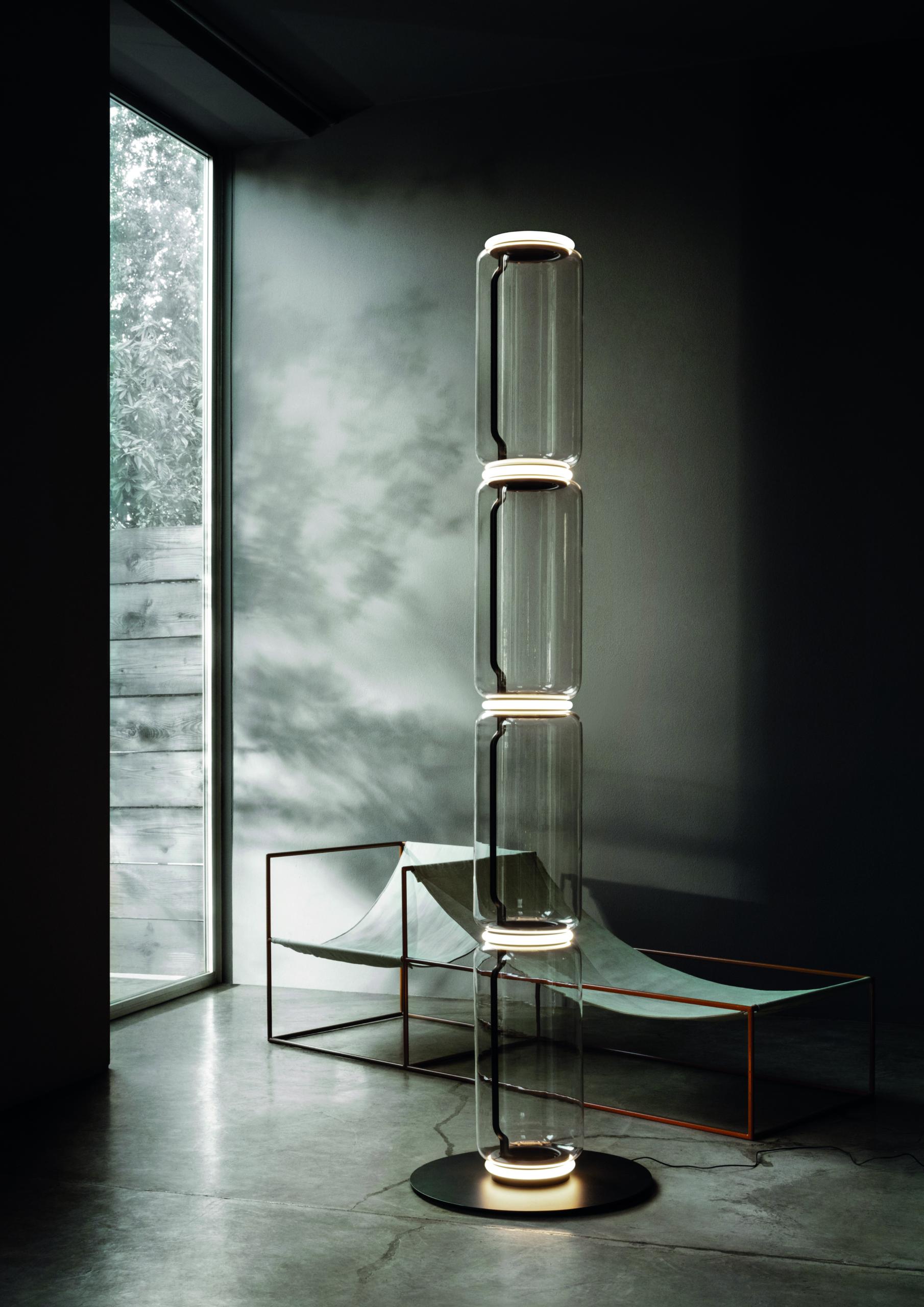 Stehleuchte NOCTAMBULE von Flos, Design: Konstantin Grcic